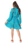 Vestido-Curto-Azul-Estampado-Yacamim-costas