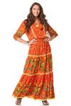 Vestido-longo-laranja-patchwork-yacamim-frente