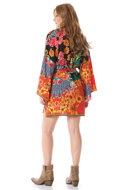 Kimono-Curto-yacamim-costas