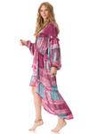 vestod-mullet-rosa-estampado-yacamim-pose