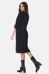 vestido-basico-preto-yacamim-costas
