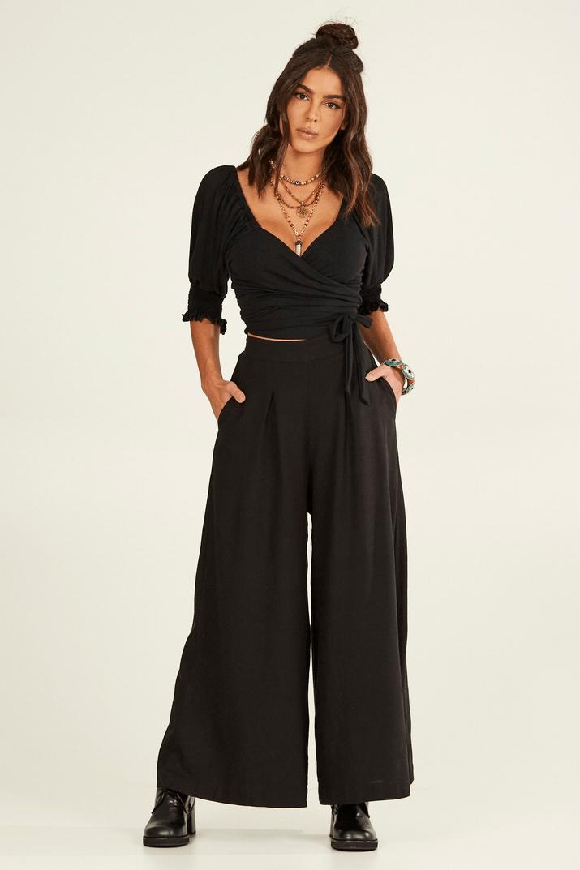 Calça Pantalona de Linho Preta Yacamim