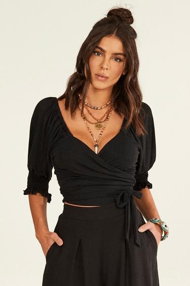 Blusa Cropped Transpassada Preta Yacamim